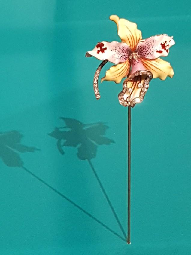 orchidee met email en briljanten